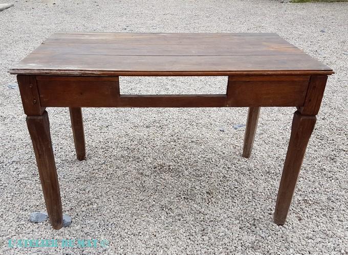 moderniser une vieille table dans le style farmhouse l 39 atelier de mat. Black Bedroom Furniture Sets. Home Design Ideas