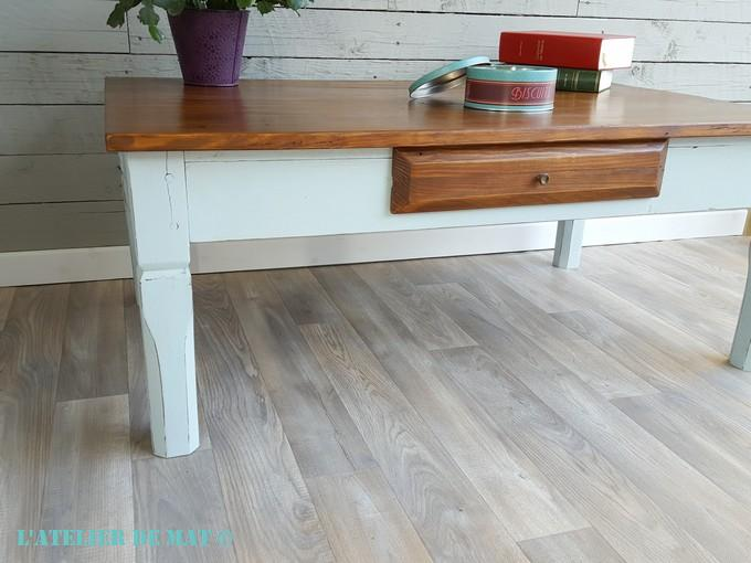 Moderniser une vieille table dans le style farmhouse l for Cirer un meuble peint