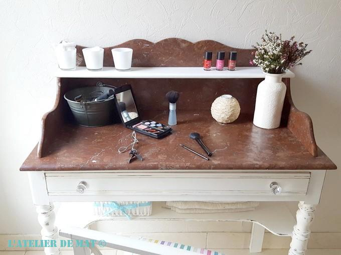 relooking d 39 une coiffeuse ancienne l 39 atelier de mat. Black Bedroom Furniture Sets. Home Design Ideas